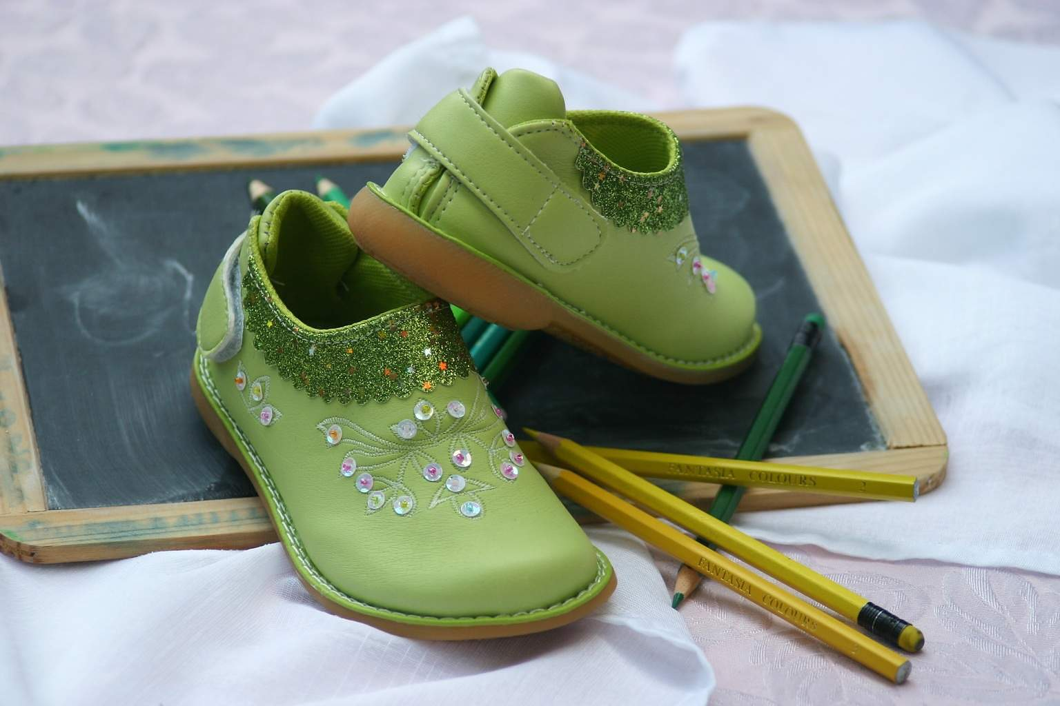 childrens-shoes-1035488